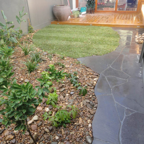 Paving geelong garden landscaping landscapers for Landscaping rocks geelong